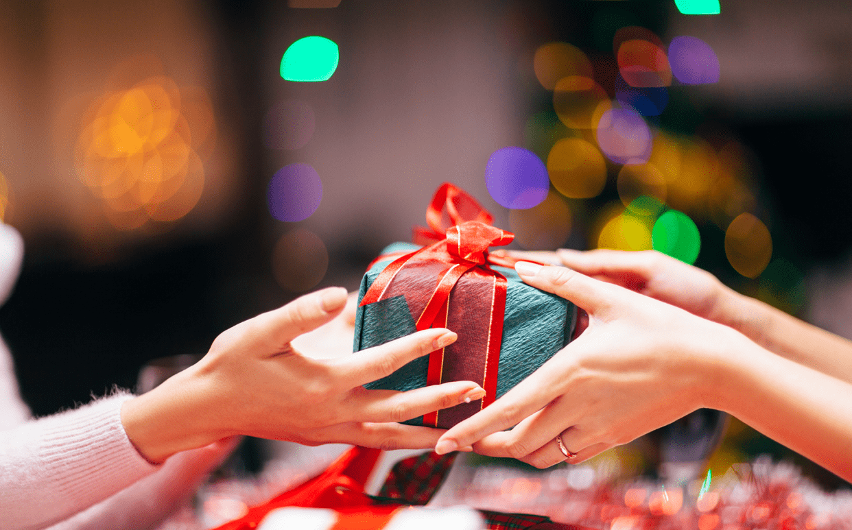 Festive Finances: Affordable Gifts